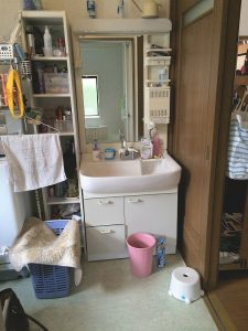洗面化粧台施工前